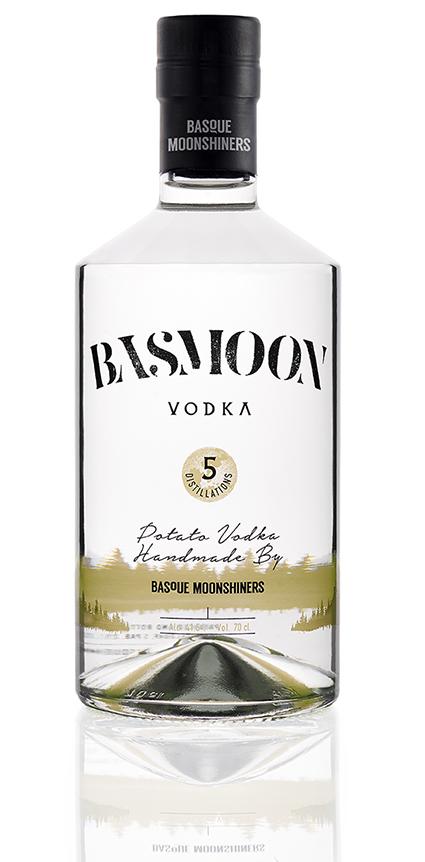 Botella de Basmoon Vodka